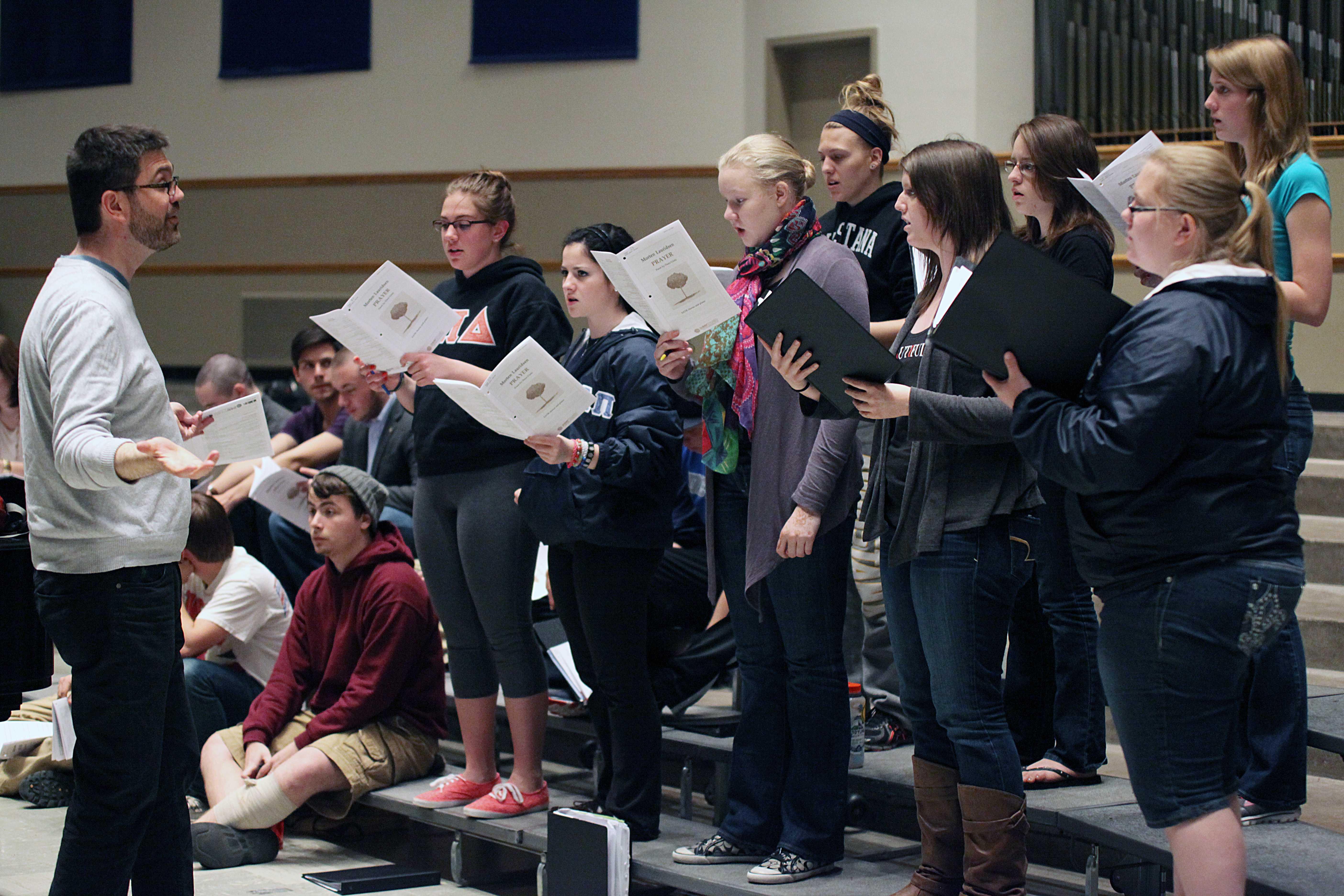 Choir_LR_2