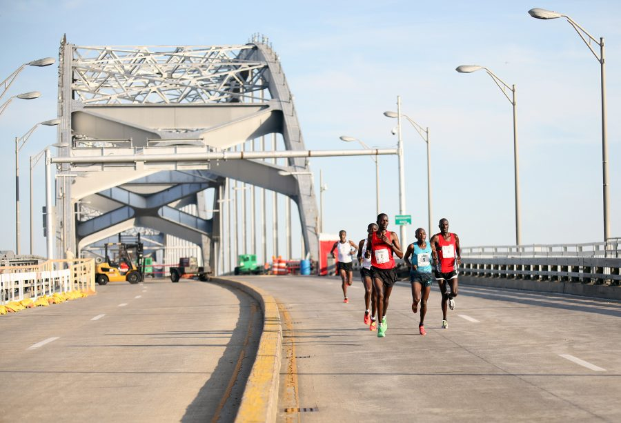 Sammy+Malakwen+%28far+right%29+of+Kenya+won+the+Quad+Cities+Marathon+Saturday+with+a+time+of+2%3A15%3A42.+The+17th+annual+marathon%2C+which+crossed+two+bridges%2C+state+lines+and+four+cities%2C+brought+participants+from+across+the+world%2C+including+contestants+from+Kenya%2C+Canada+and+the+Netherlands.%0APhoto+by+Linnea+Ritchie
