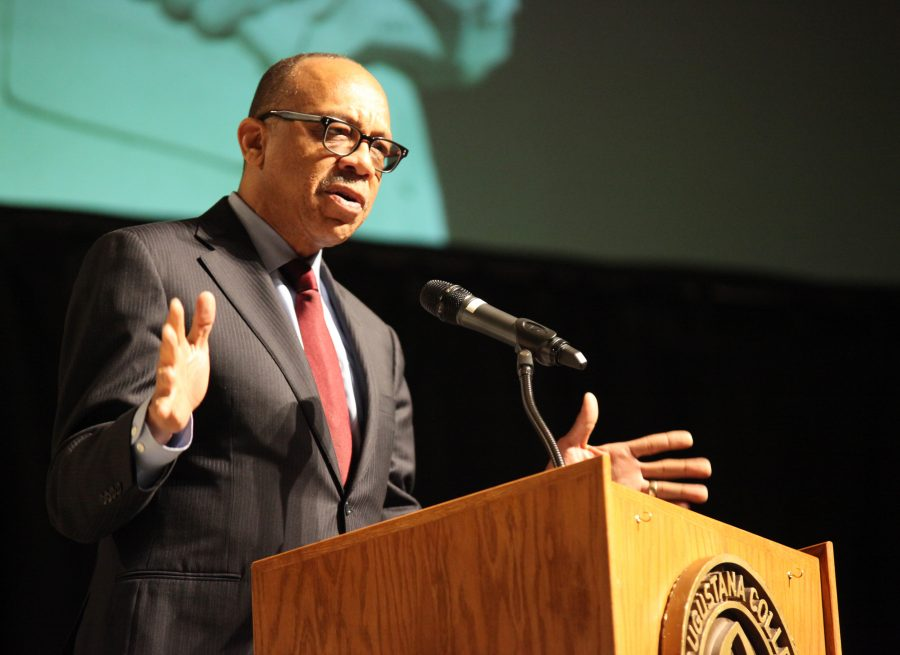 Featured+speaker+Eugene+Robinson+talks+about+his+hometown+of+Orangeburg%2C+S.C.++and+his+experience+with+the+Orangeburg+Massacre+in+1968.