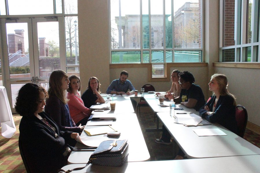 Small+group+discussions+were+held+in+place+of+large+presentations+at+DePauws+honors+conference.