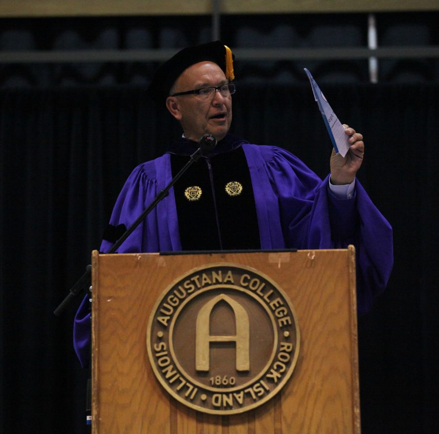 President+Steven+Bahls+presents+his+paper+airplane+at+the+2015+opening+ceremony+in+Carver.+File+Photo+by+Augustana+Observer