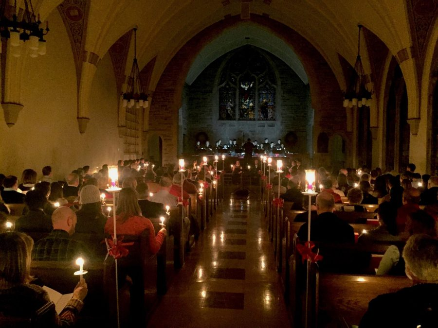 The+audience+and+performers+sing+by+candlelight+in+the+Ascension+Chapel.+Photo+courtesy+of+Augustana+College.+
