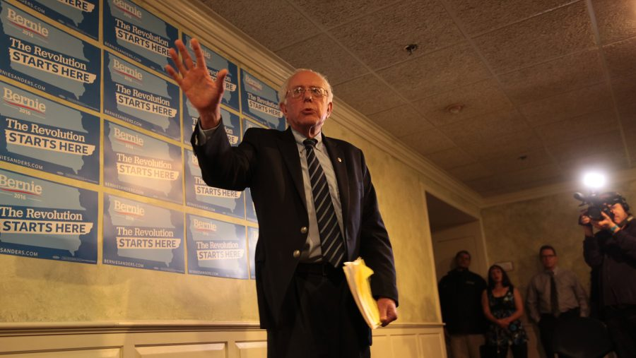 Vermont+senator+Bernie+Sanders+brought+his+presidential+campaign+to+Davenport+on+Dec.14.+The+senator+addressed+his+supporters+on+what+he+calls+%E2%80%9Cthe+real+issues+of+the+American+people.%E2%80%9D+Photo+by+Ryan+Jenkins.