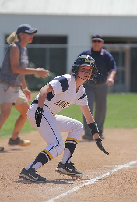 Augie+Softball+player+plays+against+Millikin.+Photo+by+Janie+Le.