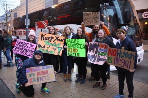 Augustana College Students Attends Womens March on Washington. Photo by Alia McMurray