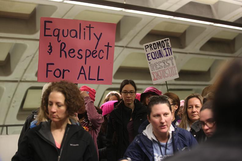 The+metro+stations+were+packed+with+protesters+transporting+from+all+locations+to+downtown+D.C.+for+the+Womens+March.+Photo+by+Lu+Gerdemann.