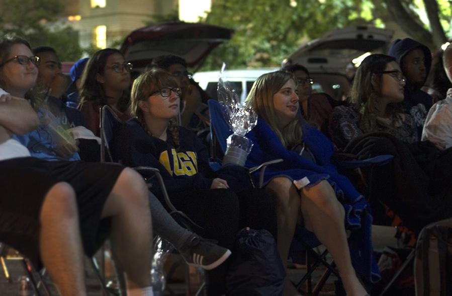 Augustana+students+gather+in+the+Centennial+Hall+parking+lot+to+watch+Ferris+Buellers+Day+off+last+Saturday.+Photo+by+Kevin+Donovan
