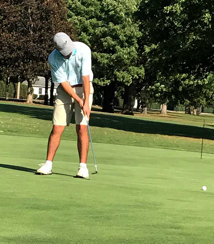Mens golf takes on CCIW Preview Tournament