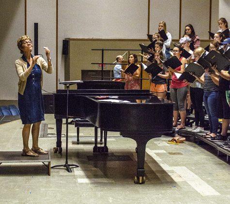 Dr. Sonja Hurty directs the Augustana Concert Chorlae, on Thursday, Sept. 20. Photo by Emma Gannaway.