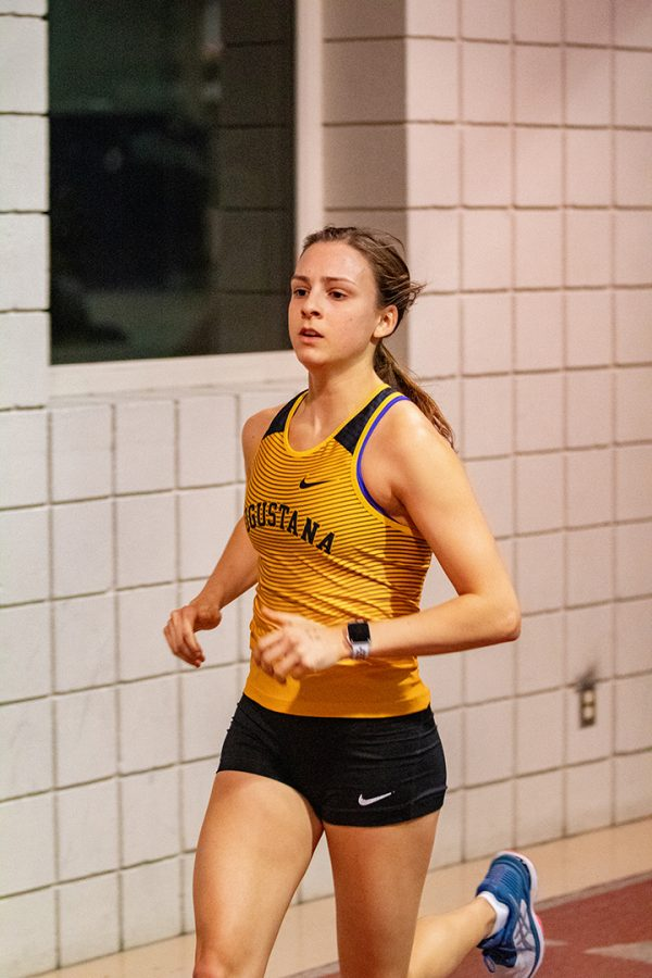 Abby Casey runs to victory at Augie