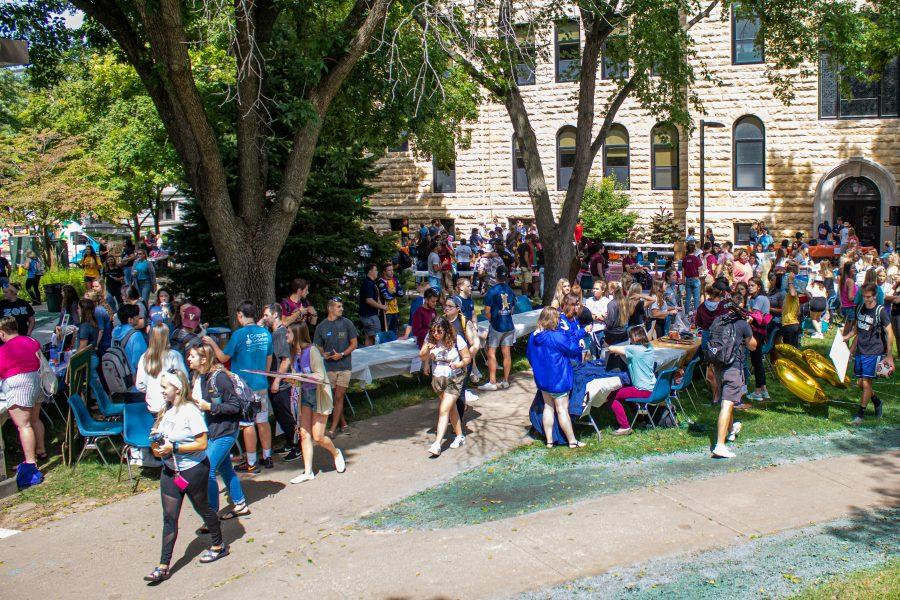 Members+of+Augustana%E2%80%99s+first+year+class+of+2023+meet+with+members+of+the+Greek+Life%2C+intramurals%2C+and+clubs+at+the+Augustana+Activities+Fair%2C+Saturday+Aug.+31.