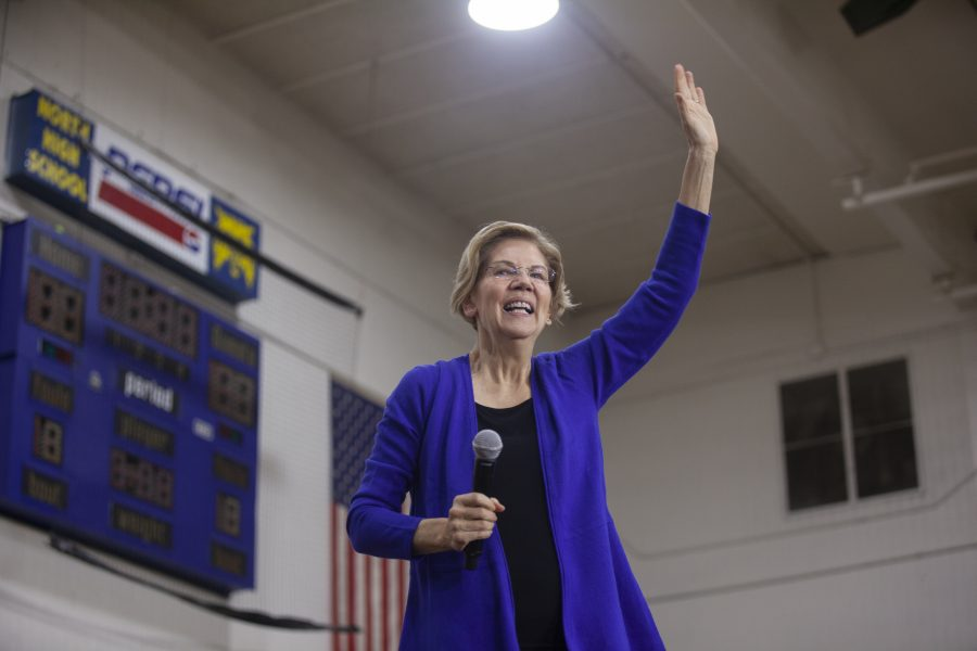 Senator+Elizabeth+Warren+waves+to+the+crowd+during+the+Davenport+Town+Hall+event+at+the+North+High+School+in+Davenport%2C+IA+on+Sunday+November+3.+Photo+by+Kevin+Donovan