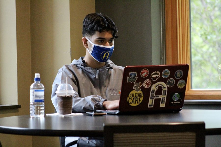 Sophomore Ivan Fregoso studies in the Thomas Tredway Library Brew on Friday September 11, 2020. Photo by Lauren Pillion.